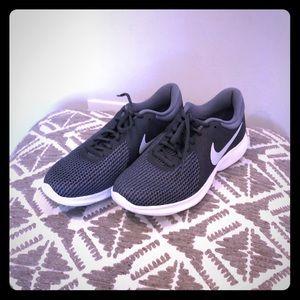 Nike Revolution Sneakers